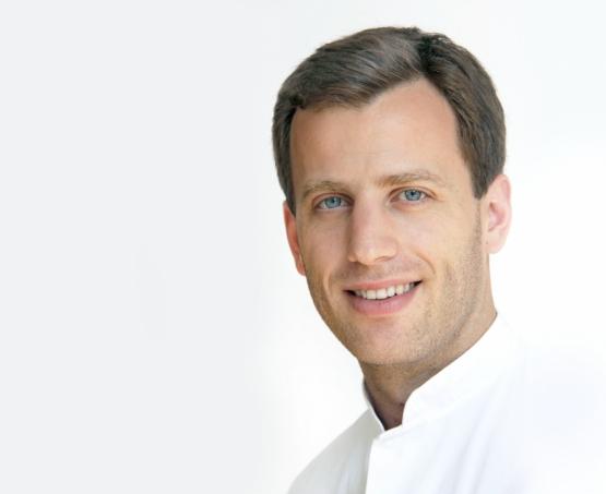 Dr. med.  Arne Michael Müller